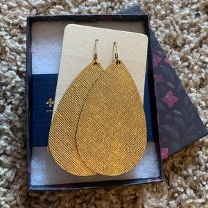Nickel and Suede Gold Leather Earrings